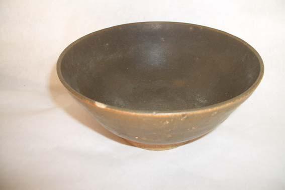 清代酱釉瓷碗